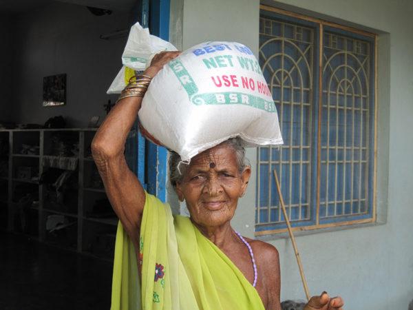 Reis für die Armenspeisung in Indien