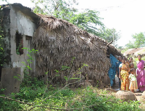Vier Häuser in Arikathota