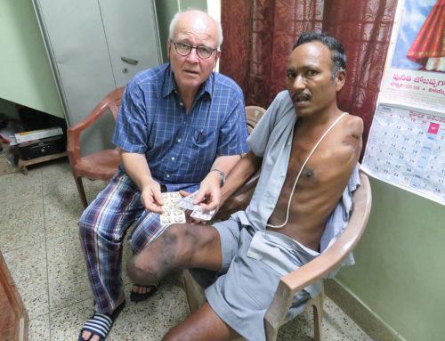 Hilfe für den behinderten Venkataraju