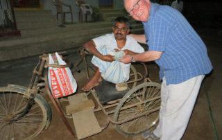 Hilfe für den Waisen Gopal
